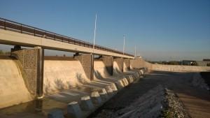 ponte prefabbricato PAC opera di interconnessione nel bacino di laminazione di Caldogno